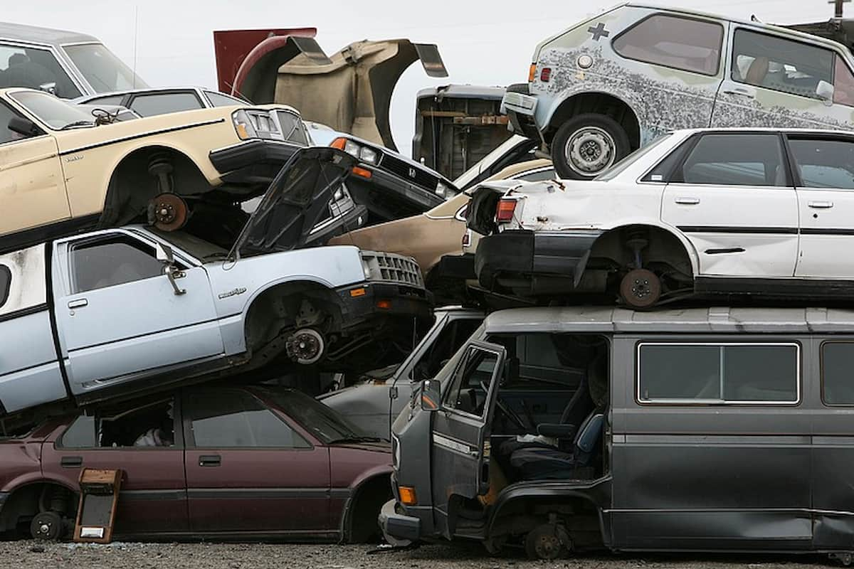 Clunkers – cars that can no longer be repaired
